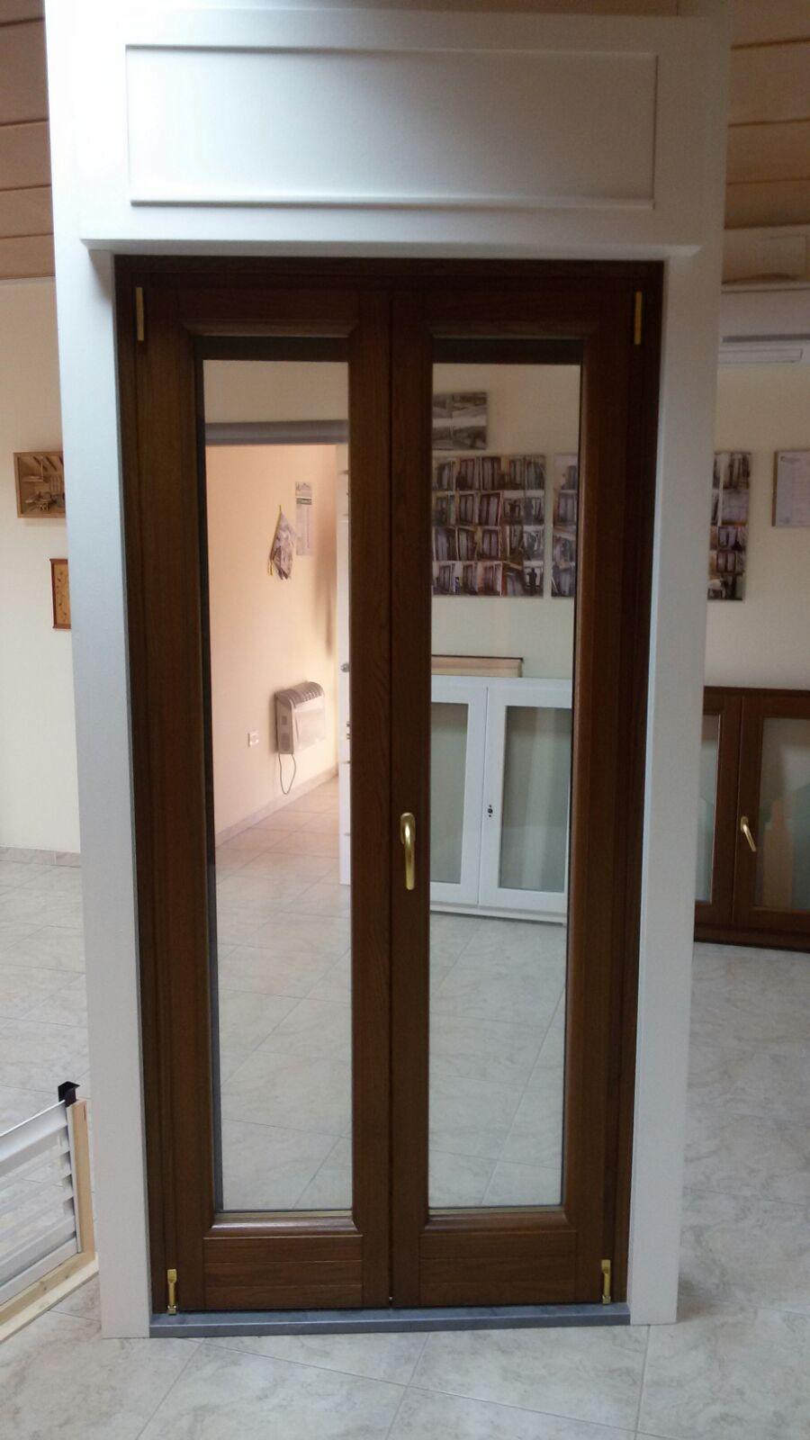 Infissi in legno roma - Serranda porta finestra ...